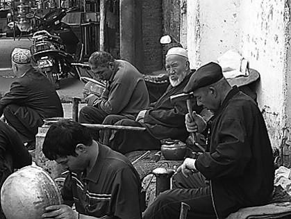 Nationale Minderheiten mit althergebrachten Produktions- und Lebensweisen, hier: Uiguren